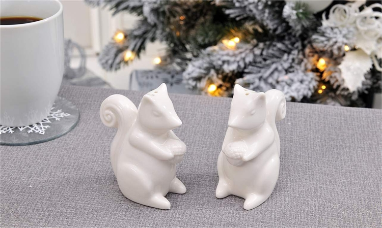 Ceramic Squirrel Design Salt & Pepper Shakers 2pc. Set,653836